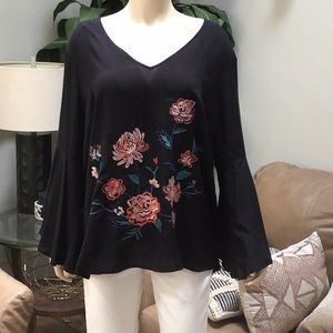 Plus size 2x flying tomato black embroidered shirt